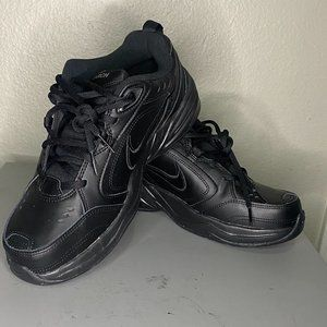 New Nike Air Monarch 4E IV Black Leather Size 8.5